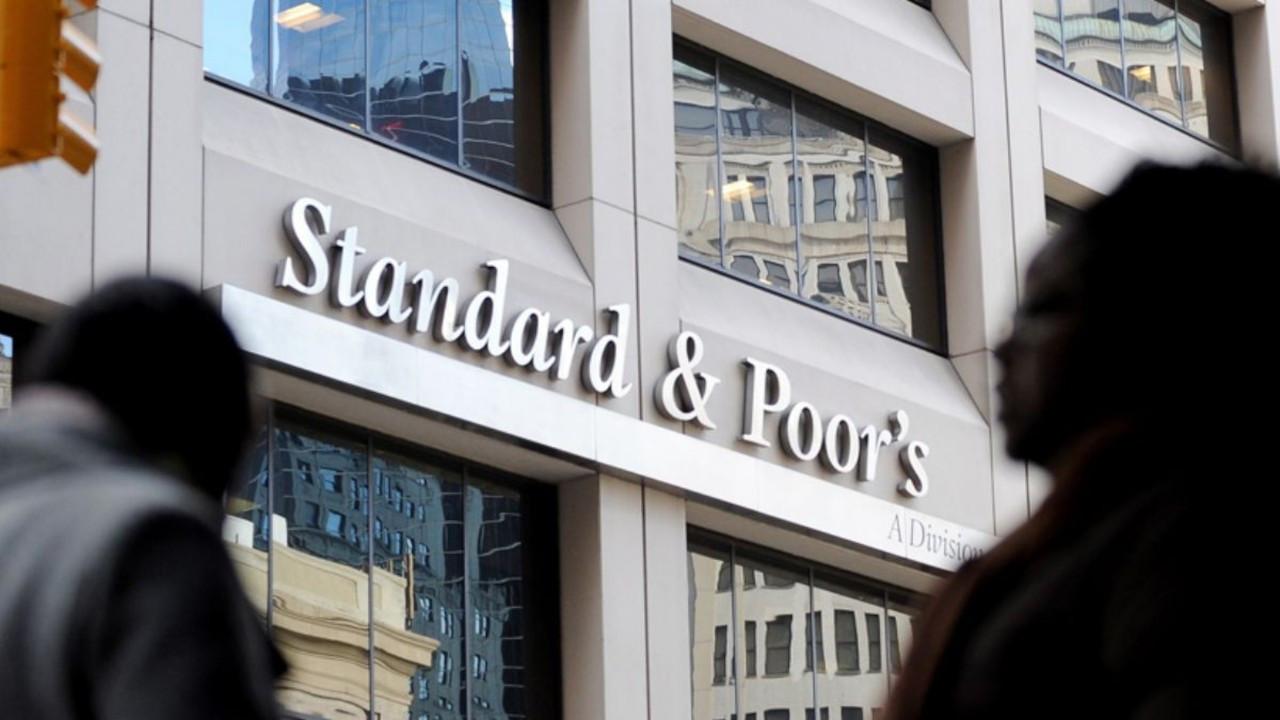 S&P, KÜRESEL BORÇ ORANININ ARTACAĞINI DÜŞÜNÜYOR